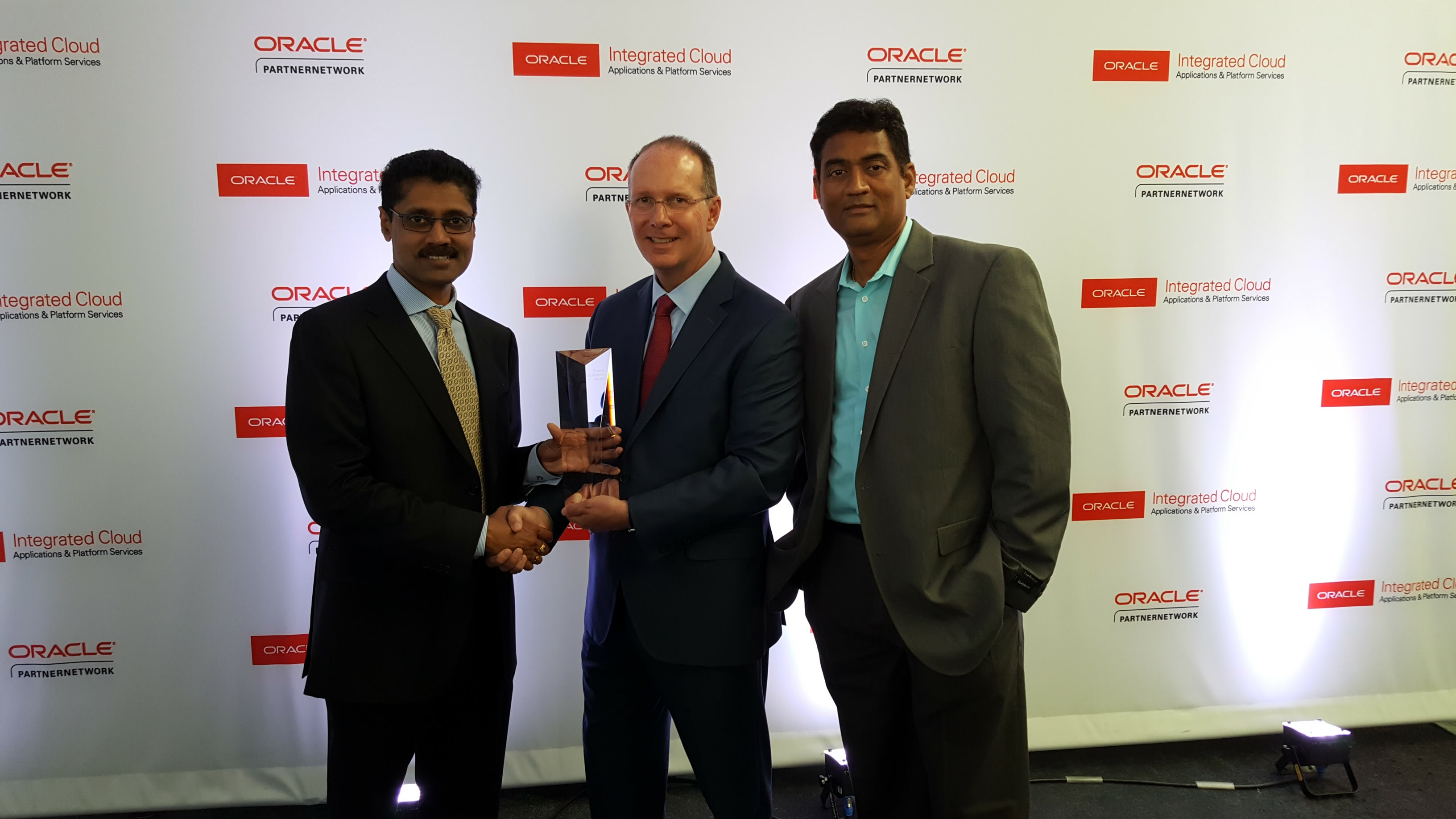 AST's ERP Practice Accepts Oracle Excellence Award – September 18, 2016